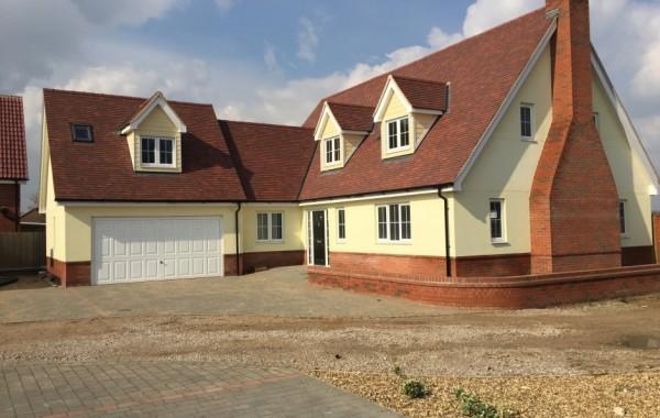 4 bedroom detached chalet style bungalow