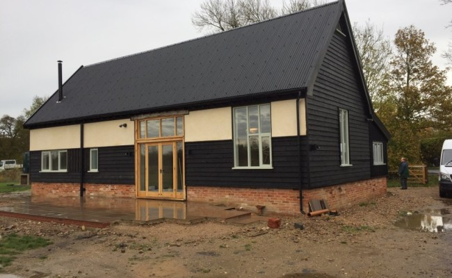 Barn conversion to 3 bedroom dwelling with mezzanine floor for 3 bedroom barn house